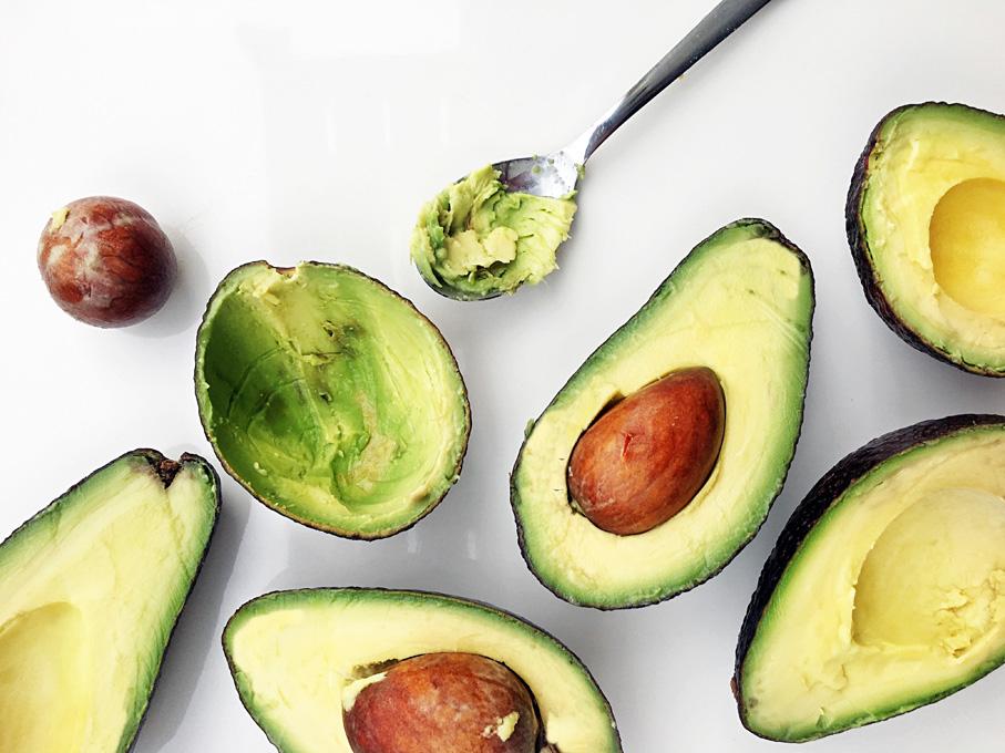 Vơi vitamin C, axit oleic giúp nuôi dưỡng da từ bên trong qua đó cải thiện nám sạm