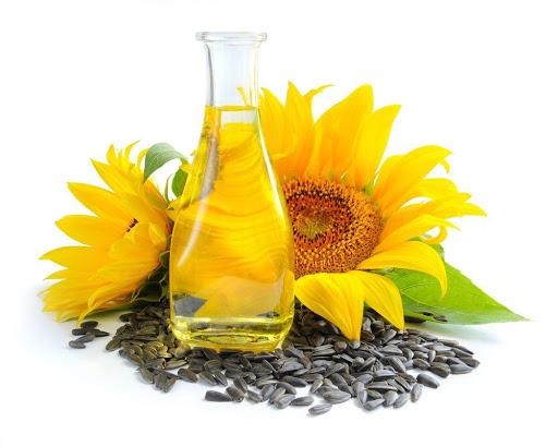 Vitamin E thiên nhiên có rất nhiều trong hạt hướng dương.