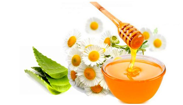 trị nám da hiệu quả bằng mặt nạ nha đam và mật ong