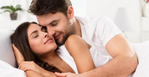 10 Cách làm chồng yêu say đắm khiến chàng không thể cưỡng lại