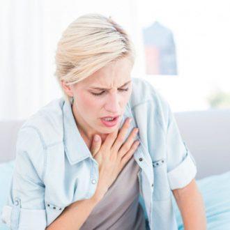 Giải mã hiện tượng đánh trống ngực ở phụ nữ mãn kinh