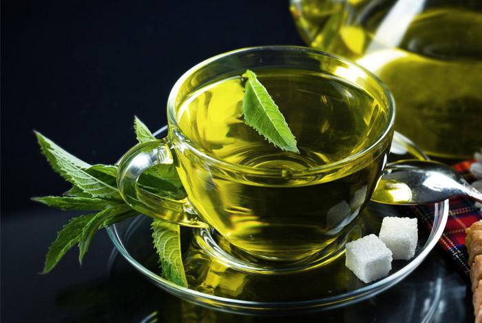 Nhờ chất chống oxy hóa mạnh nên trà xanh hỗ trợ điều trị buồng trứng đa nang rất tốt