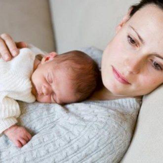 Sau sinh kinh nguyệt tháng có tháng không là bị làm sao? Cách khắc phục