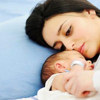 Rong kinh sau sinh là gì? Nguyên nhân & cách điều trị hiệu quả