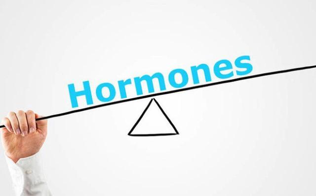 nguyen-nhan-chinh-la-boi-su-thay-doi-cua-hormone